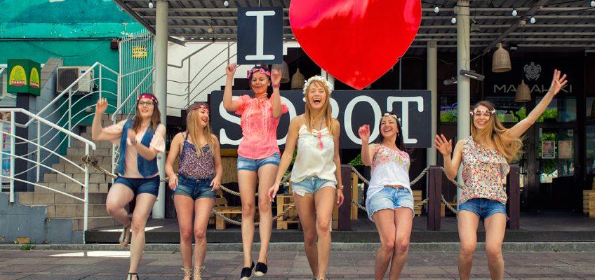 Na Monciaku i w plażowym klubie – sesja panieńska w Sopocie