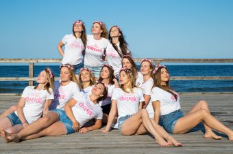 Team Bride – sesja panieńska w zabawnych koszulkach